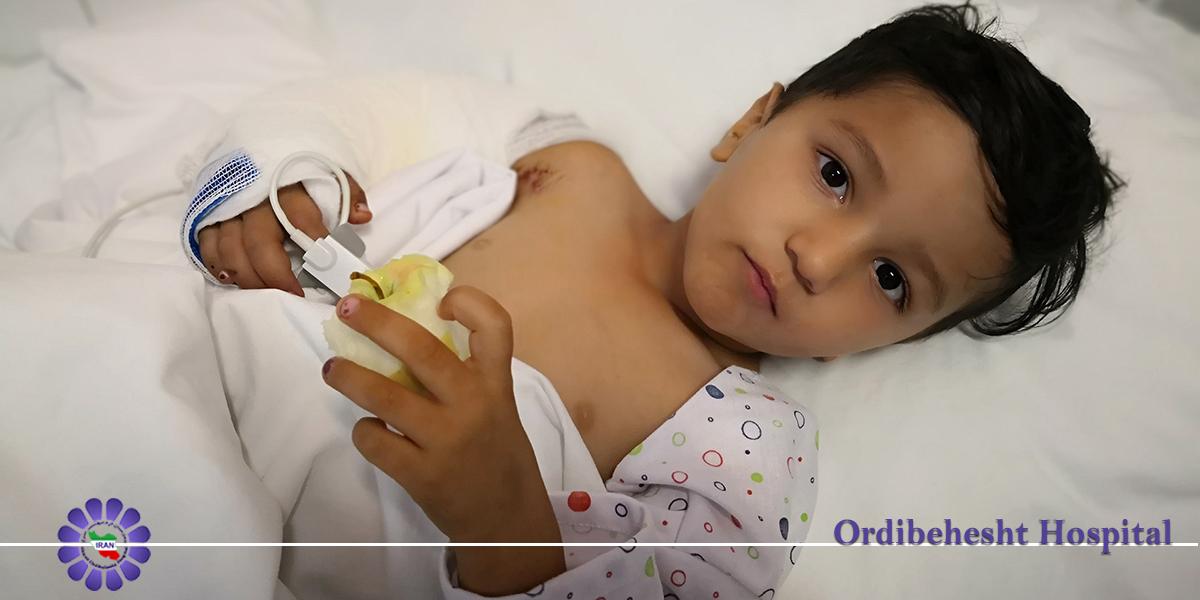 عمل موفقیت آمیز پیوند بازوی قطع شده کودک سه و نیم ساله