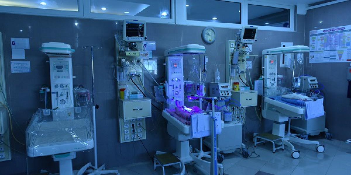 بخش مراقبتهای ویژه نوزادان (NICU)